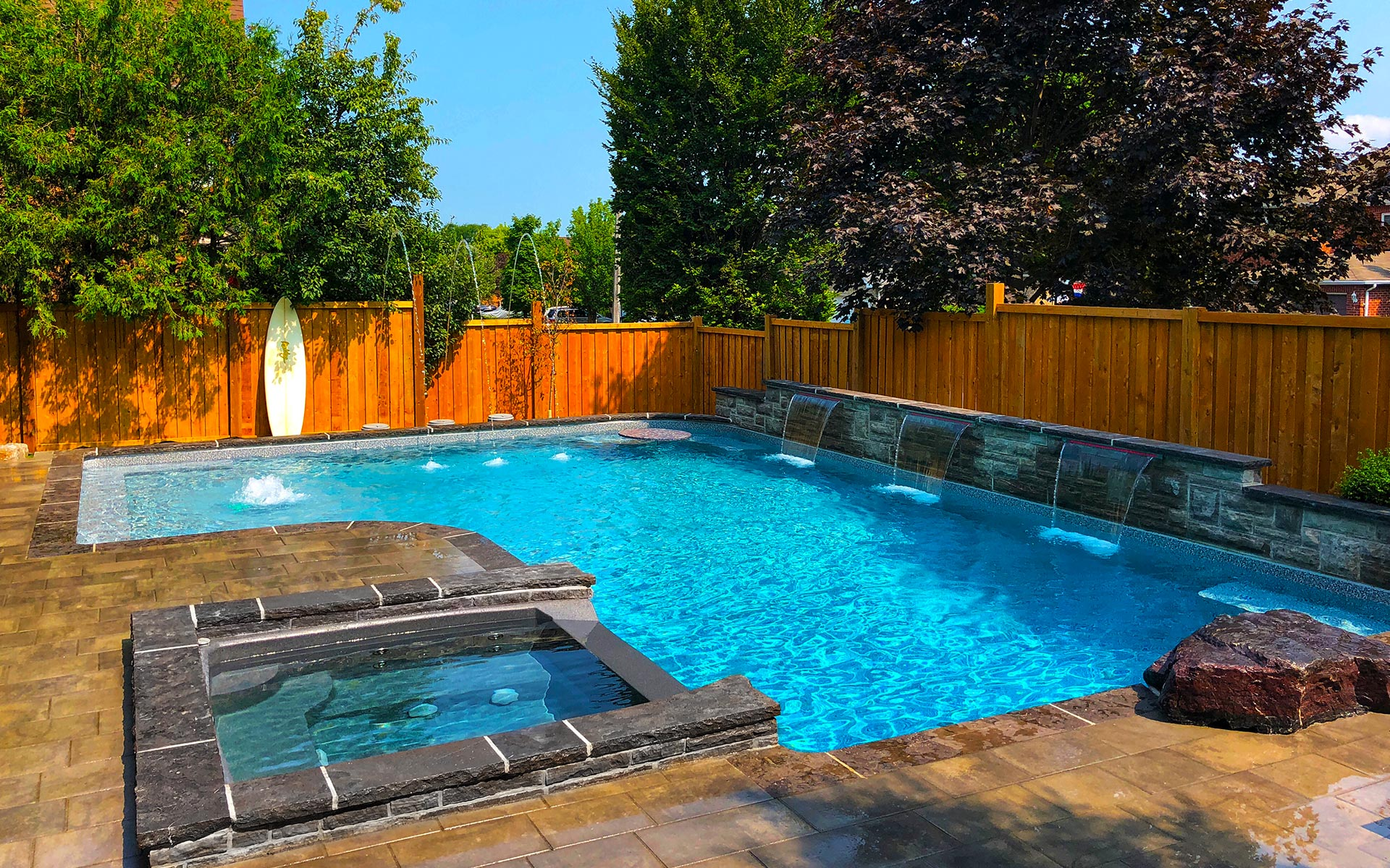 custom outdoor luxury pool
